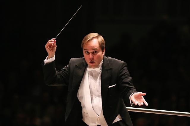 Grad Rapids Symphony's Marcelo Lehninger