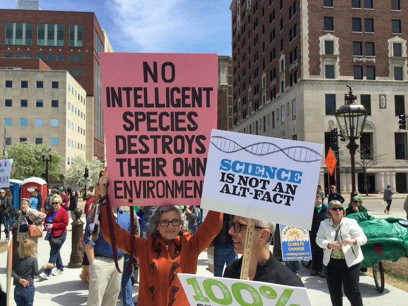 Participants at 2017 March rfor Science rally at the Michigan Capitol in Lansing.