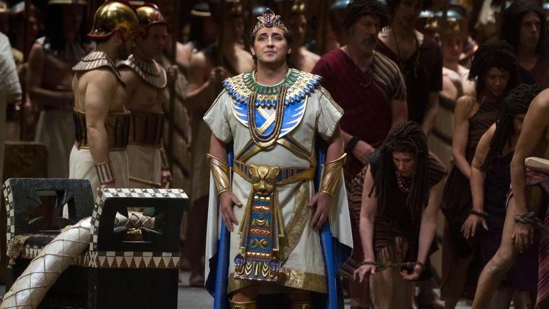 "George Gagnidze as Amonasro and Krassimira Stoyanova in the title role of Verdi's ""Aida."""