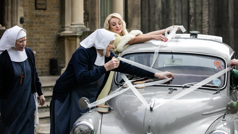 Call the Midwife: nuns decorating wedding car