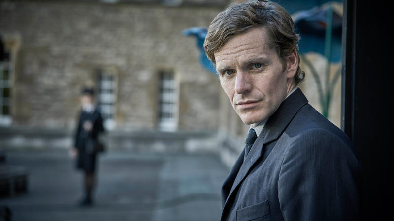 Shaun Evans on the street
