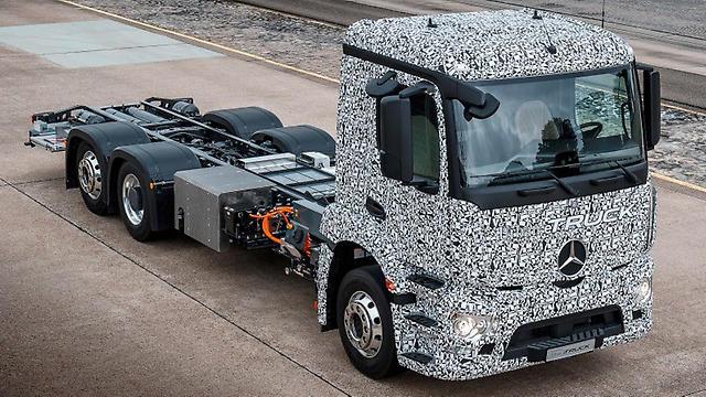 Daimler Electric Semi Truck