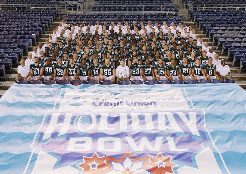 Holiday Bowl Team Photo