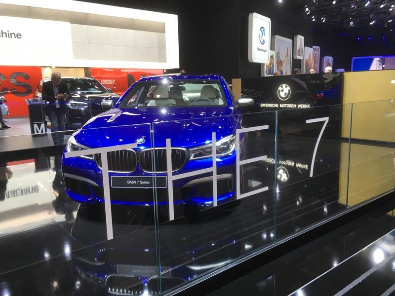 BMW 7 Series photo