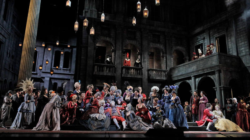A scene from Gounod's Roméo et Juliette.