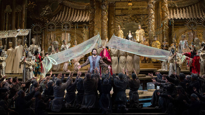 Marcelo Álvarez as Calàf in Puccini's Turandot.
