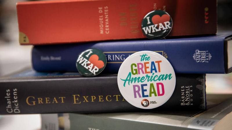The Great American Read buttons and books