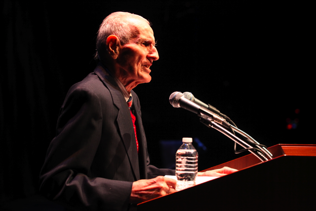 Dr. Jack Kevorkian photo