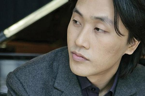 portrait: Minsoo Sohn