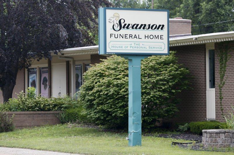 Funeral home shut down after maggots, other violations found