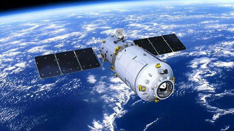 China's defunct space lab set for re-entry