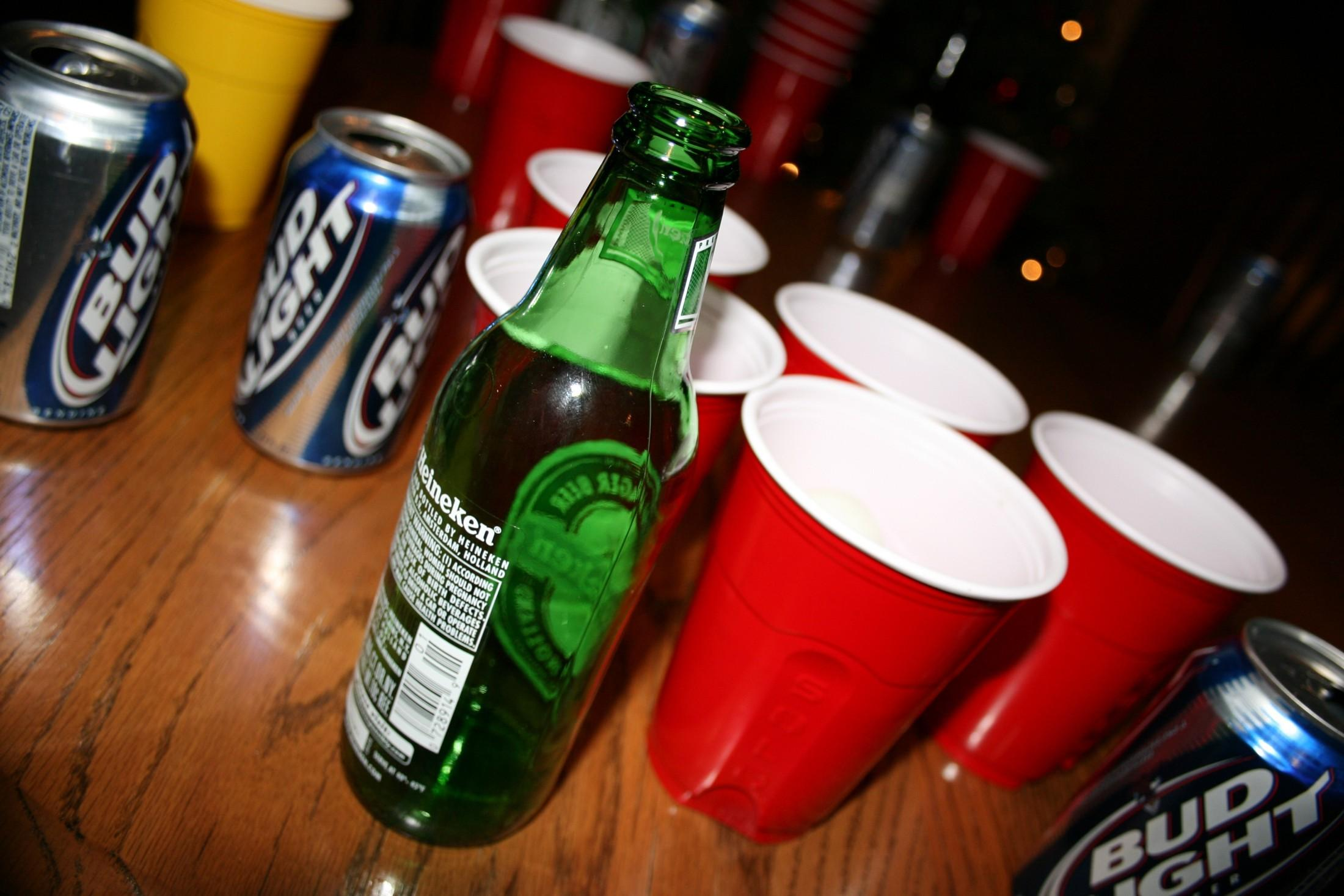 an analysis of binge drinking on college campuses Harmful and underage college drinking are significant public health problems, and they exact an enormous toll on the intellectual and social lives of students on campuses across the united.