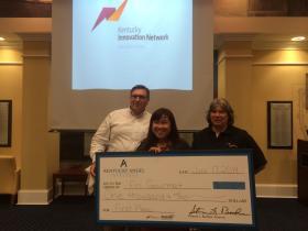 "Dr. Lan Chi Thi ""Lula"" Luu, winner of the 2014 Regional Aspiring Entrepreneur Pitch Competition at MSU"