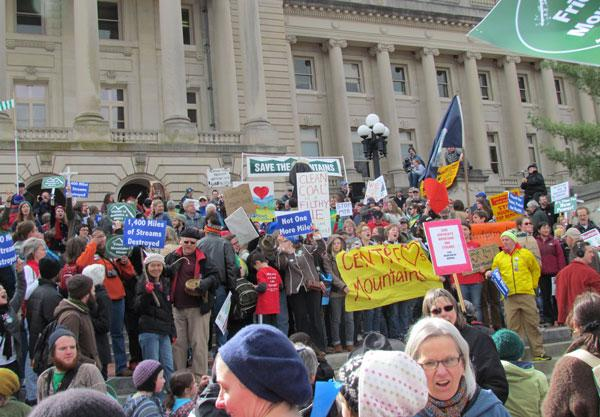 Last year's I Love Mountains Day rally in Frankfort, KY.