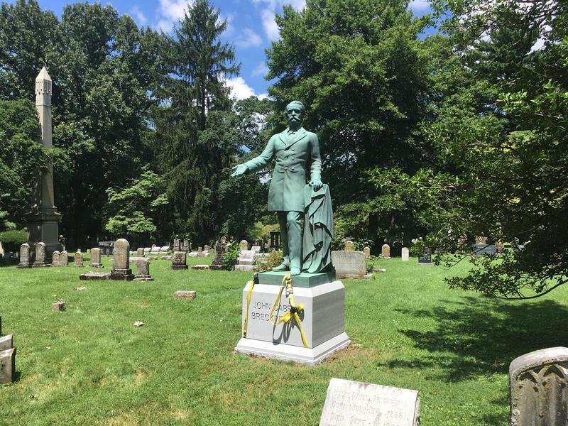Statue of John Breckinridge in the Lexington Cemetery.