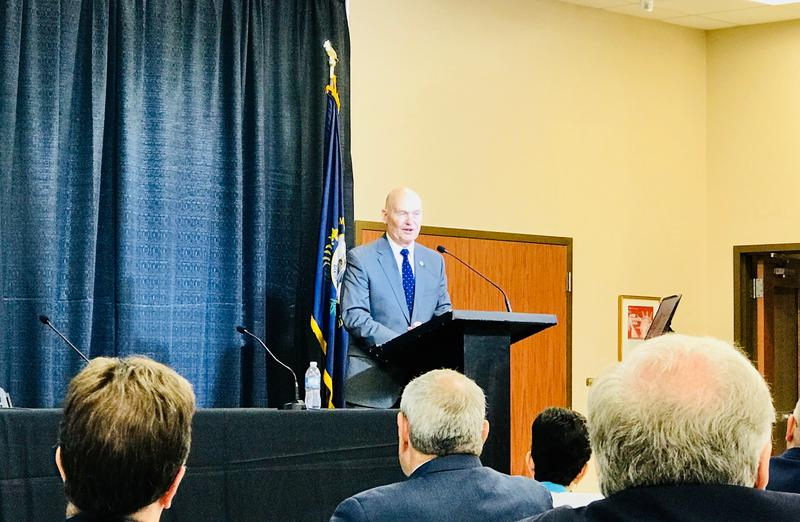 U.S. Maritime Administrator Rear Admiral Mark H. Buzby delivers keynote address at 2018 WAVE Conference