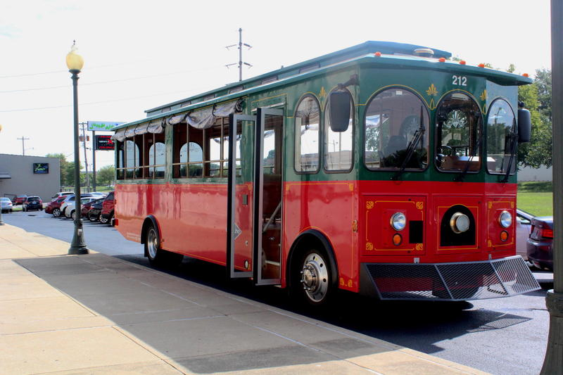 Nashville-Based Gray Line Trolley sitting at the Bowling Green Historic RailPark and Train Museum before passengers board.