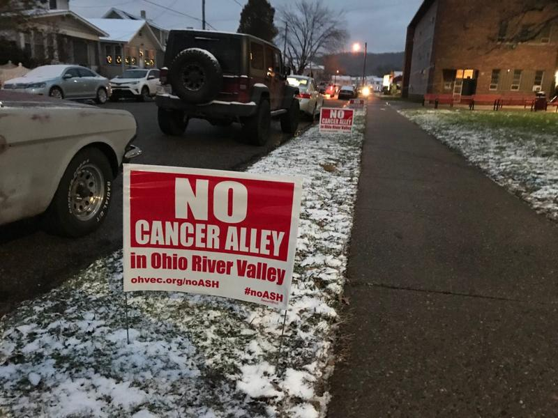 Environmental groups posted signs in Shadyside, Ohio.