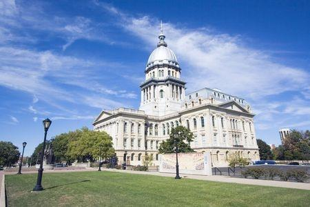 Illinois lawmakers fail to pass budget, miss spring deadline