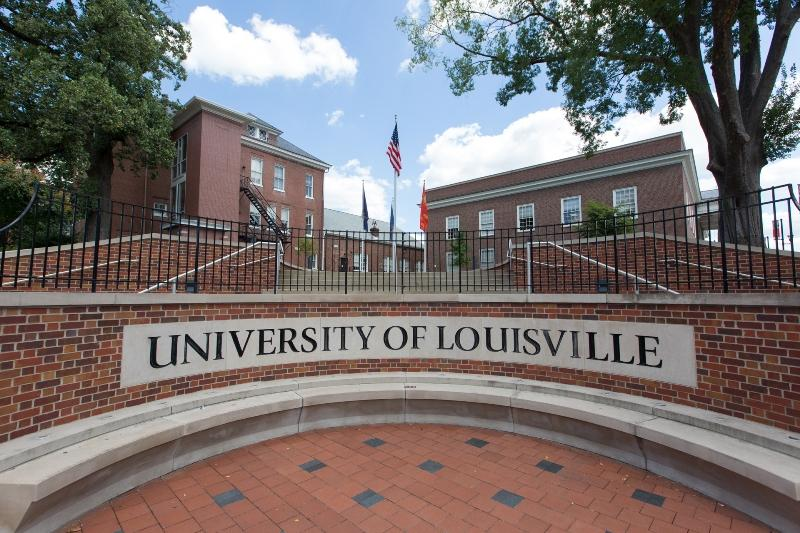 University of Louisville agrees to 10-year deal with Adidas