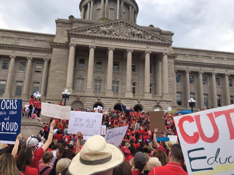 Teachers to rally in Frankfort Friday