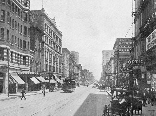 The tiny Optic theater on the right is just across from the Hotel Gayoso on South Main Street in 1907. The theater showed 5-cent moving pictures.