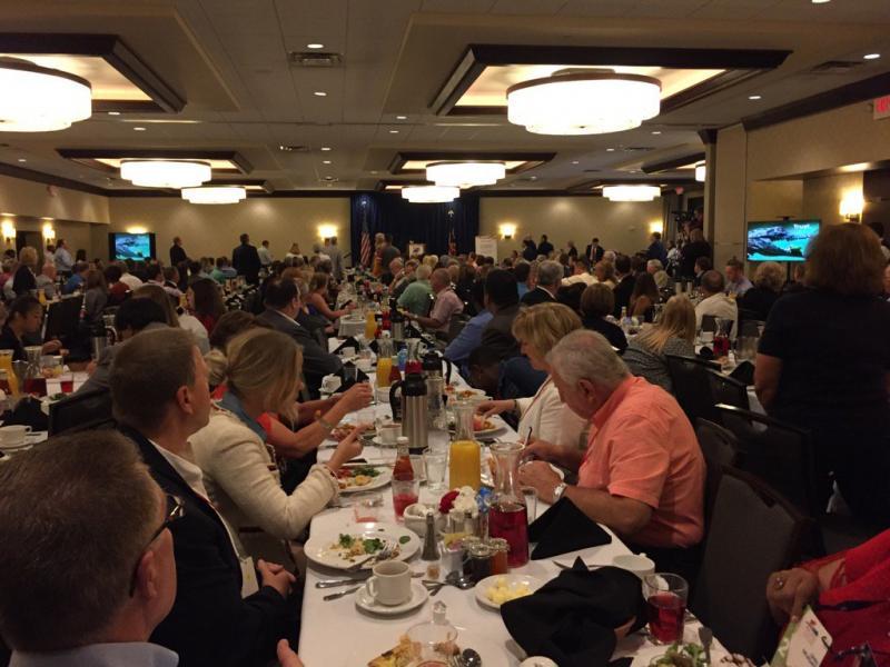 photo of Ohio delegation breakfast