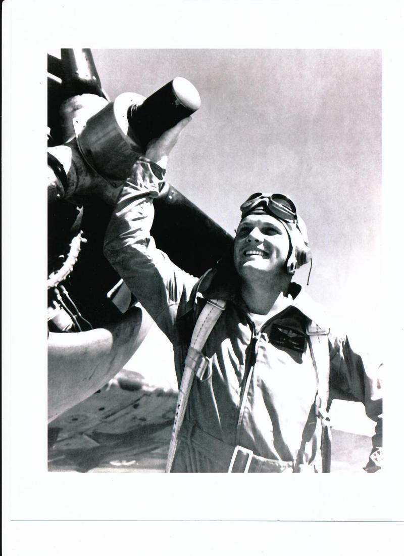 photo of John Glenn as fighter pilot