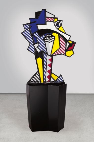 photo of Roy Lichtenstein sculpture