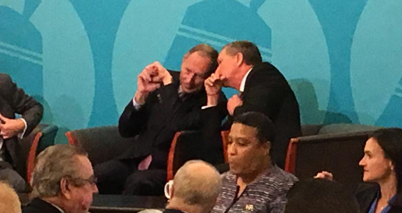 Photo of Cleveland Clinic CEO Toby Cosgrove (left) and Ohio Gov. John Kasich (right)