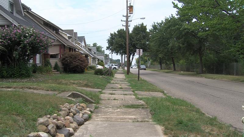 photo of Akron neighborhood next to I77
