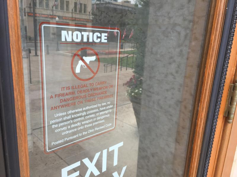 gun free zone sign at the Statehouse