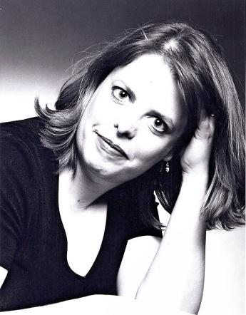 photo of pianist Holly Roadfeldt