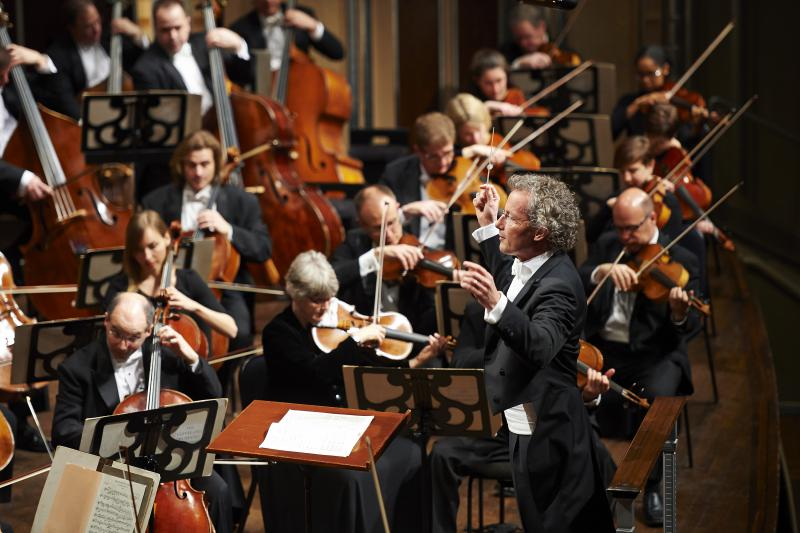Music director Franz Welser-Möst conducting the Cleveland Orchestra.