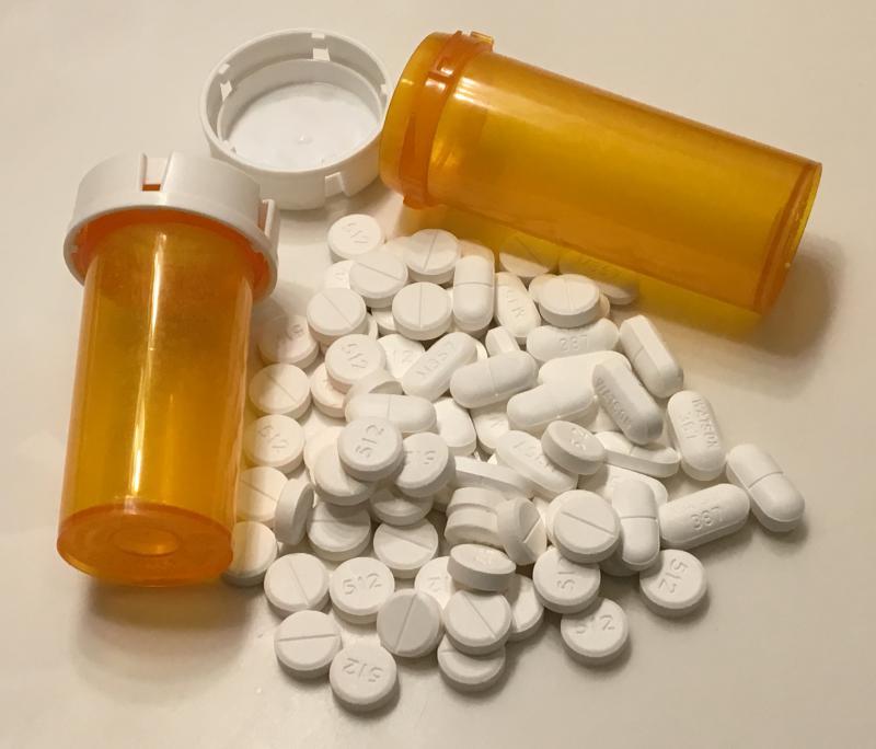 photo of opioid pills and bottles