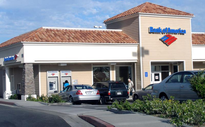 A photo of Bank of America in Porter Ranch.