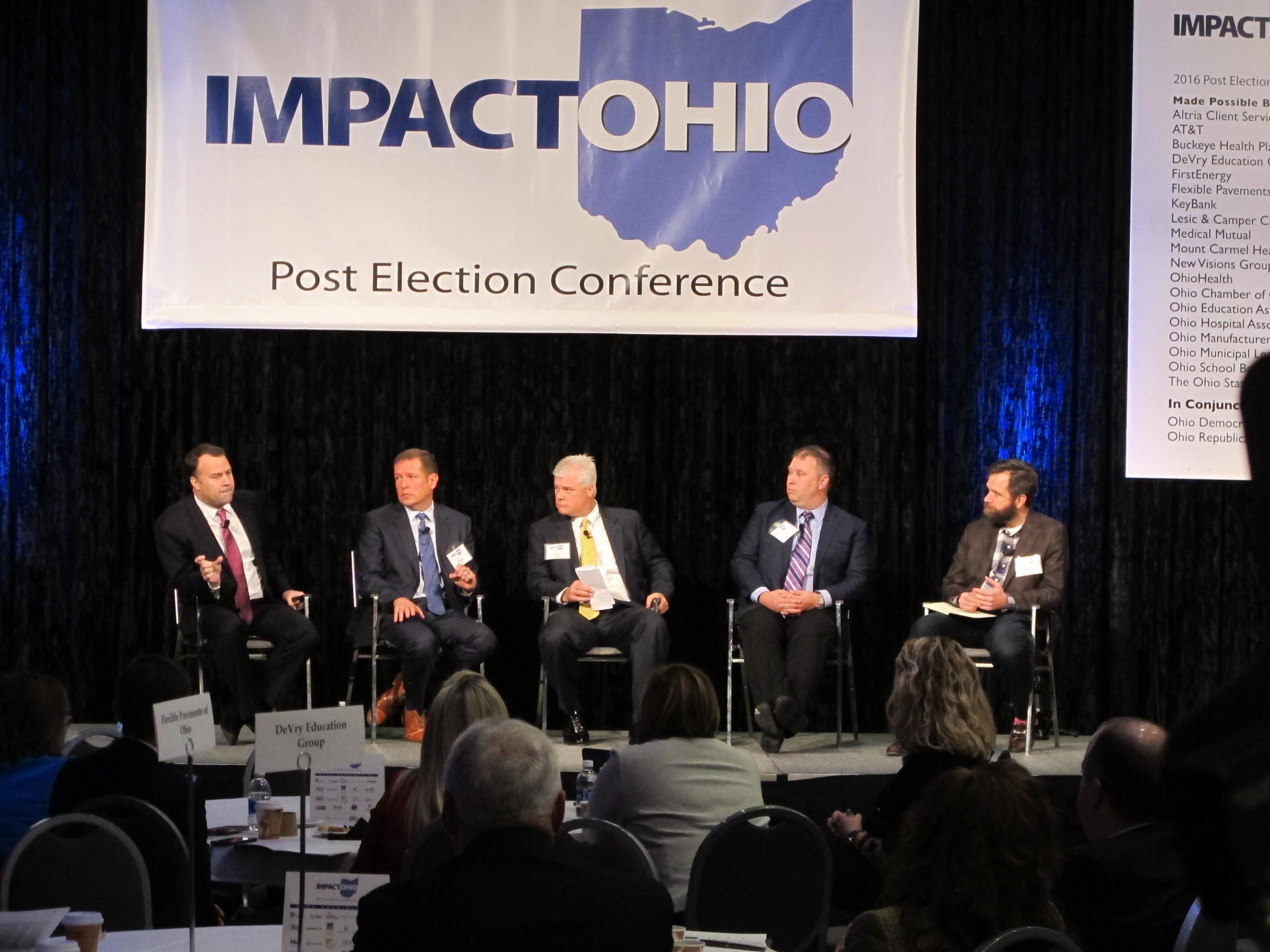 Ohio's Kasich congratulates Trump on victory