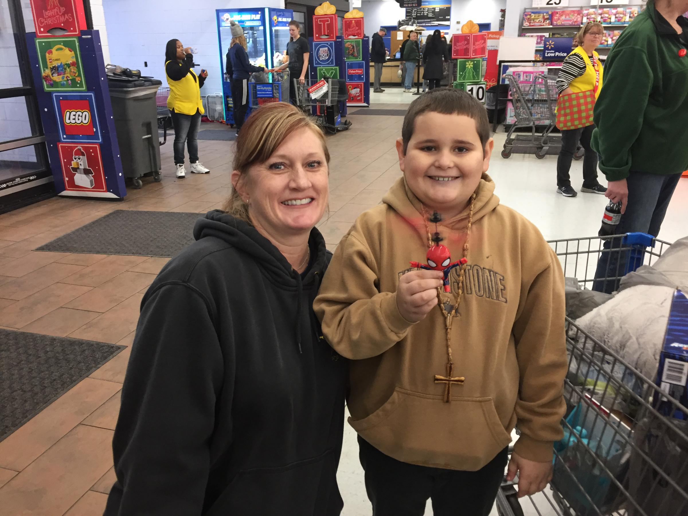 Christmas With Holly.Summit County Officers Host Kids For Christmas With A Cop