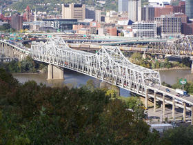The Brent Spence Bridge, connecting northern Kentucky and Ohio