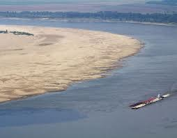 The 2012 drought had led to very low water levels on the Mississippi River.