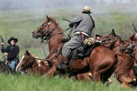 Actors re-create the battle of Perryville, the bloodiest of the Civil War fought in Kentucky