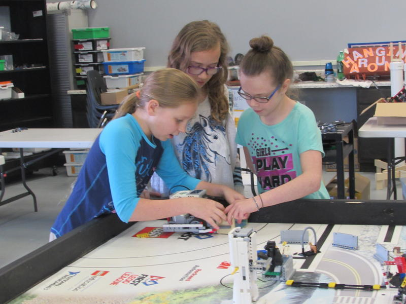 Working on their robot at the Franklin-Simpson Exploratorium are, left to right, Natalie Simmons, Isabelle Herndon and Charlotte Hargrove.