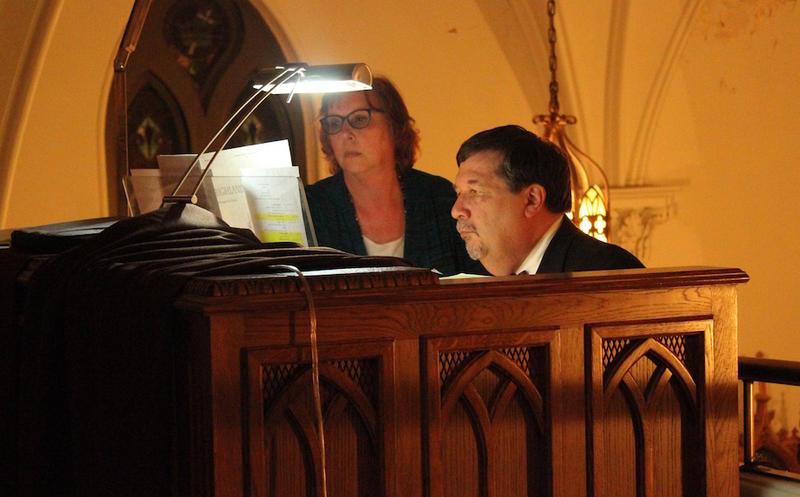 Organist Ken Stein and vocalist Deborah Stein