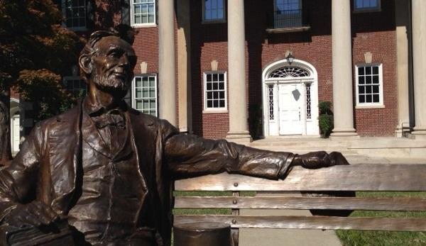 Abraham Lincoln's statue outside the Kentucky Museum