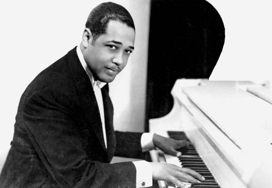 The Feeling of Jazz, Hr-2, Program No. 77 airing February 19, 2017 featured a spotlight on music composed by, or associated with Duke Ellington.