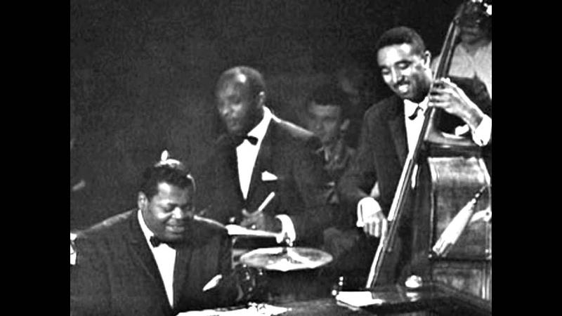 "The Oscar Peterson Trio performing ""Moonlight In Vermont."""
