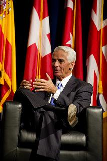 Some political observers believe Charlie Crist is gearing up for a run for governor.