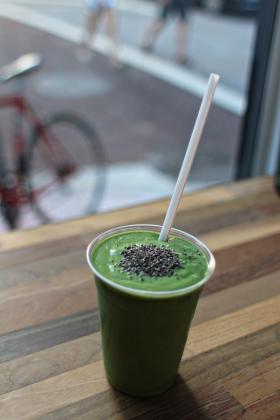 Super Green smoothie at Ten Fruits cafe