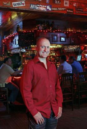 Miami Dating Coach Dan Silverman turned hangouts with his crew into a viable coaching business.