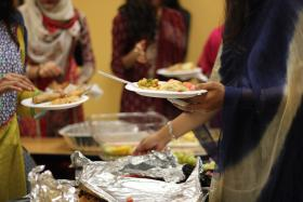 Florida International University hosted an open iftar event yesterday, July 3, where Muslims and non-Muslims could experience breaking fast. The event was hosted by the school's Muslim Student Association and PakSA.